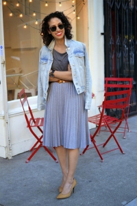 _0009_Allergic to Vanilla- Sf style blog, short curly hair, happy girl, all grey outfit, work chic, hayes valley San Fra