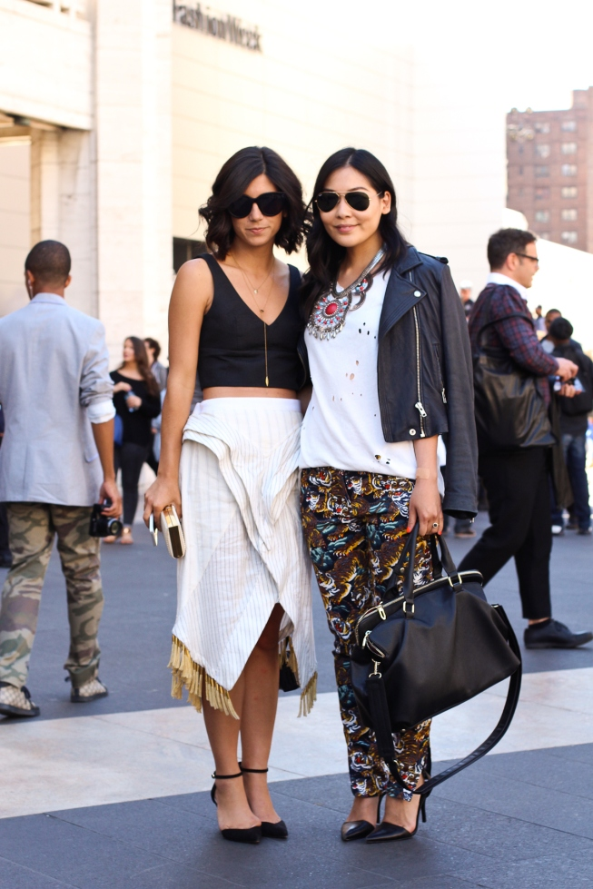 krystal-bick-and-lindsey-louie-kattina-new-york-fashion-week-nyfw-fashion-bloggers-streetstyle-at-mercedes-benz-fashion-week-ss2014-photo-by-ryan-chua-3527